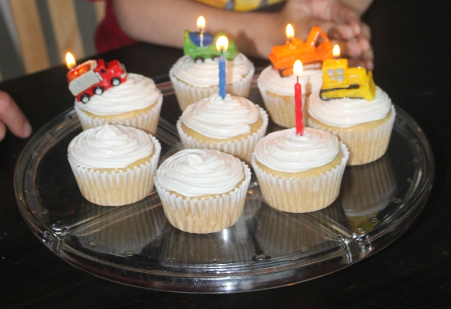 vegan vanilla cupcakes for kids' birthdays