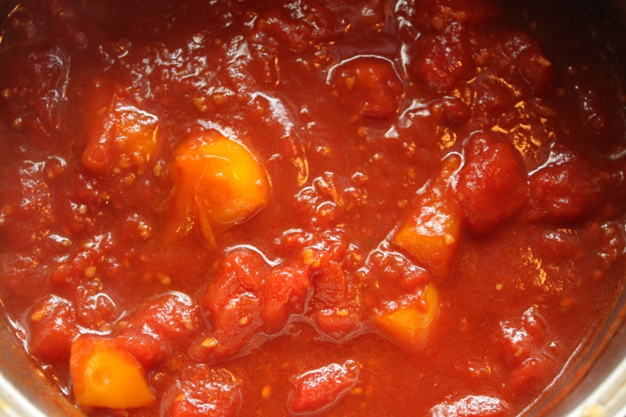 Tomato sauce with bell pepper